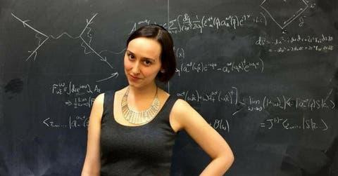 https://bc.marfeel.com/statics/i/ps/cdn.ampproject.org/i/positivr.fr/wp-content/uploads/2017/08/Image-Une-sabrina-pasterski-genie-physique-quantique-mathematiques-hawking-einstein.jpg