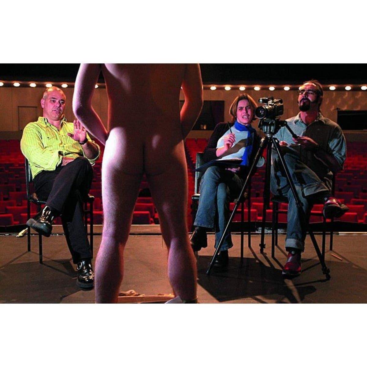 Actores Porno Con Penes De 17 Cms revelan el tamaño estándar del pene erecto