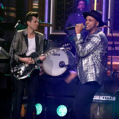 Watch: Mark Ronson performs 'Feel Right' with Mystikal | Gigwise